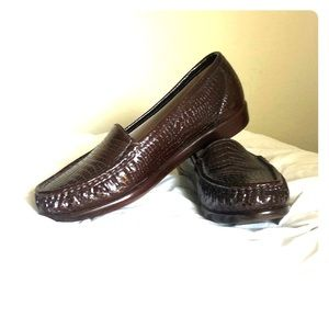 SAS brown embossed loafers